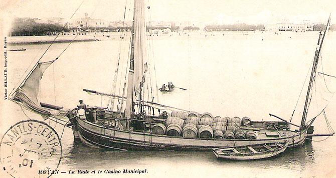 Gabarre et son chargement dans le port de royan